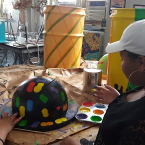 May 2016 – BCS students decorate trash barrels with Friends of Carroll Park